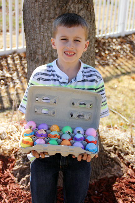 Nathan-holding-his-eggs