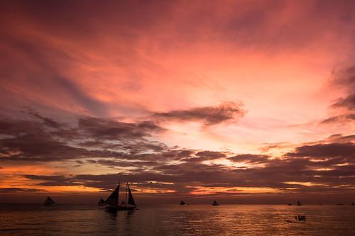 ocean sunset red sea sky orange cloud sun beautiful canon landscape island sailing sundown philippines boracay 风景 日落 天空 红色 落日 景色 海洋 美景 夕阳 大海 亚洲 帆船 菲律宾 火烧云 海岛 橙色 岛屿 长滩