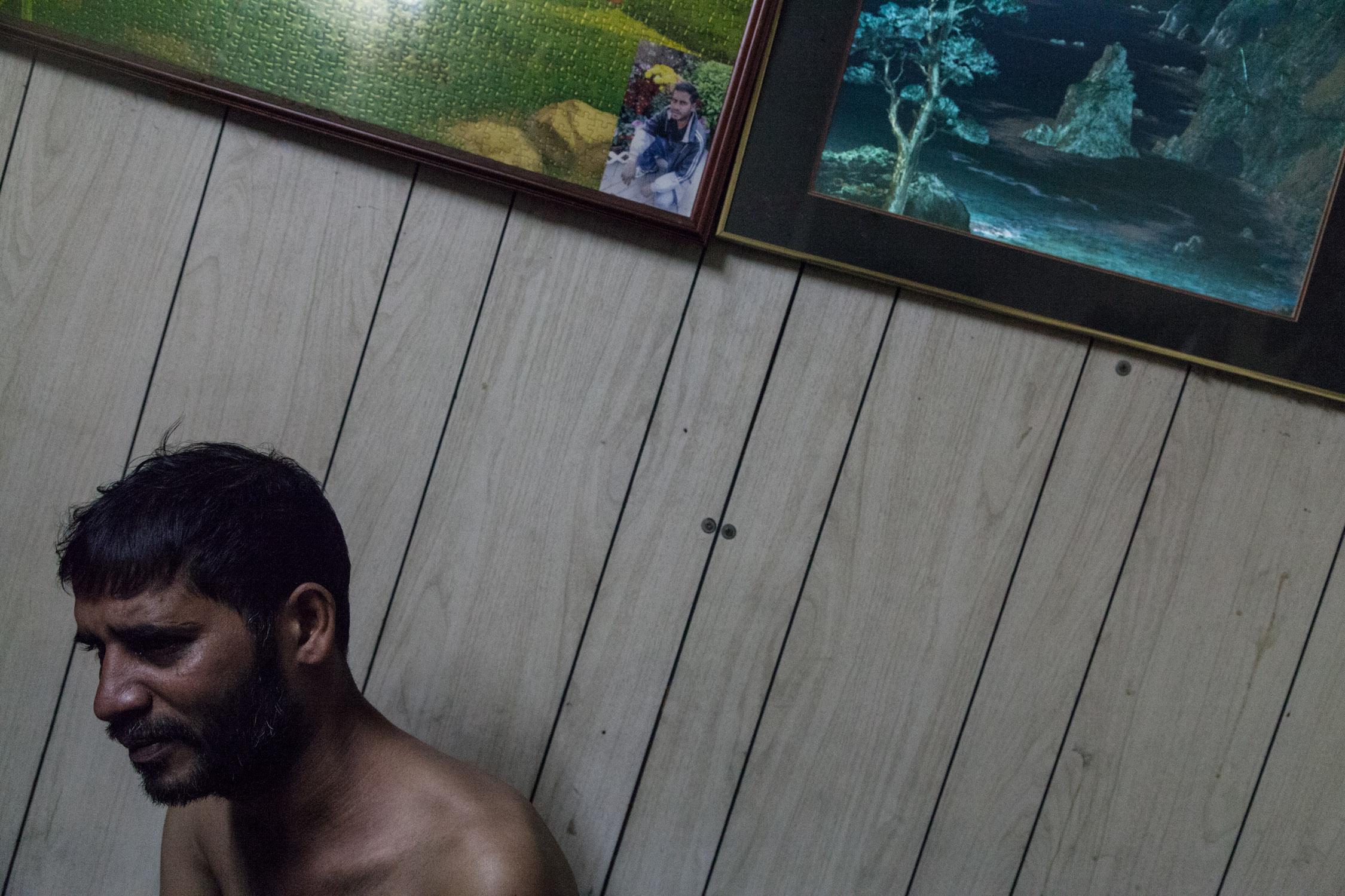 有難民透露有弟兄因想過有尊嚴而打黑工但被勸阻