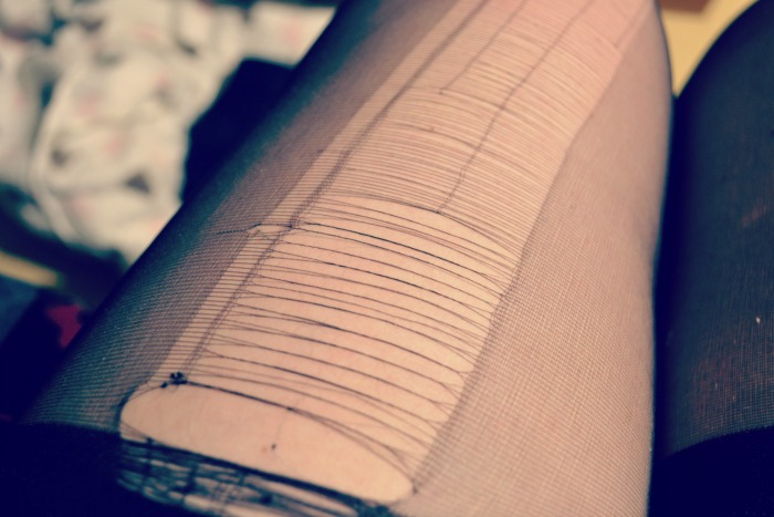 ripped tights scottish blogger