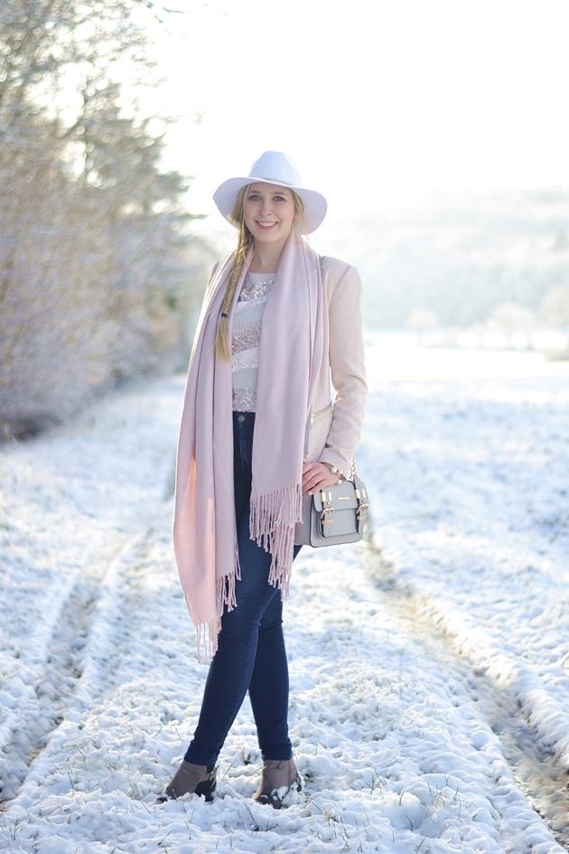 Winter Nudes 2 Outfit Eugli (3)