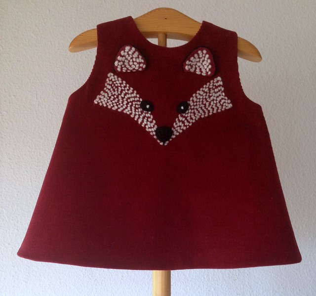 Embroidered fox dress for babies by pipocass