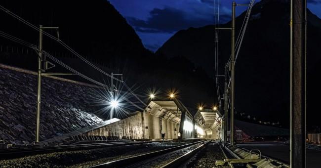 Gotthardský úpatní tunel se otevřel.