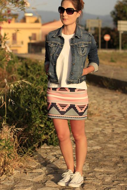 falda print geometrico