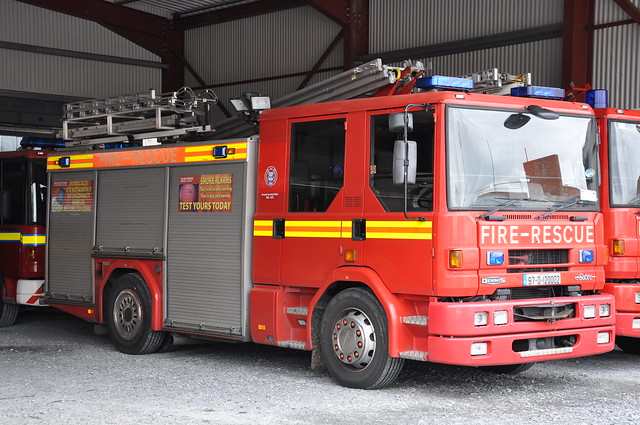 Dublin Fire Brigade 1997 Dennis Sabre JDC WrL 97D120002 (Ex Essex P433MVX)