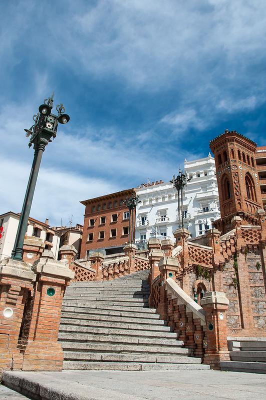 Escalinata neo-mudéjar