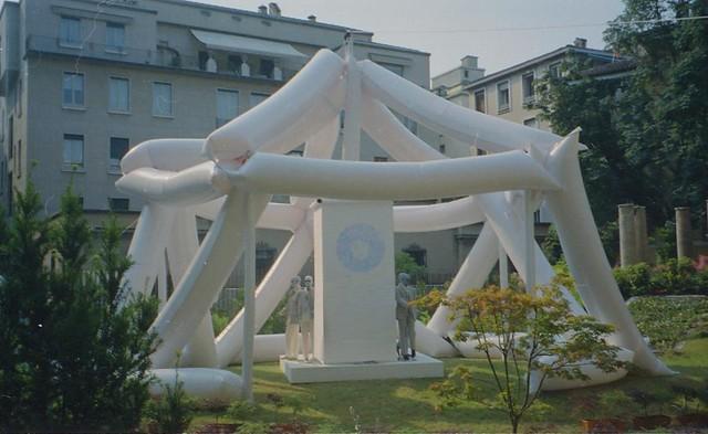 1994 Icosaedro, <palazzo Durini, Corneliani