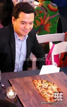 NEw Greenwich Pizza THINS w/endorser John Lloyd
