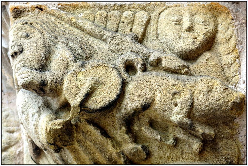 Capitel en Santa María de La Oliva