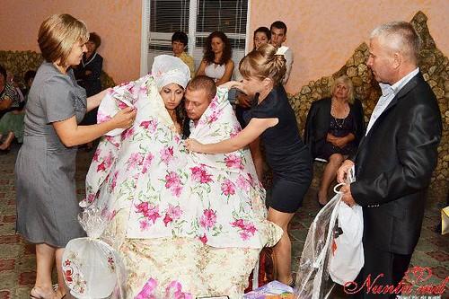 """Concursul Obiceiul """" Dezbrăcatul miresei!!!"""" > Irina si Iurie"""