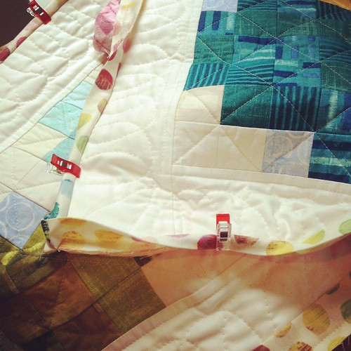 Pixelated Vine Quilt - binding