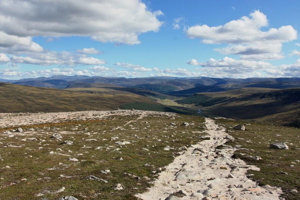 Descent to Glen Lui
