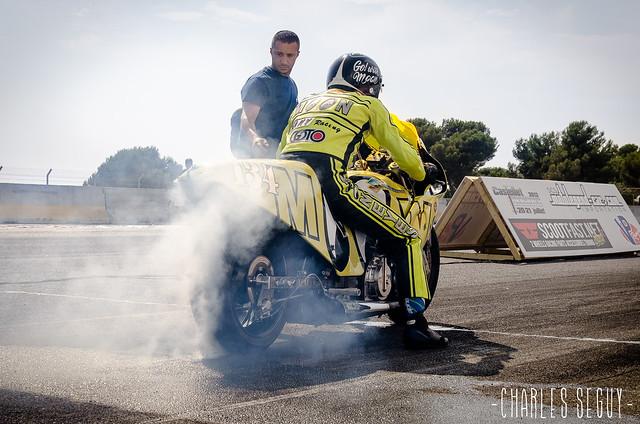 Une des nombreuses Suzuki aperçues sur la piste de la Castellet Drag Race 2013.