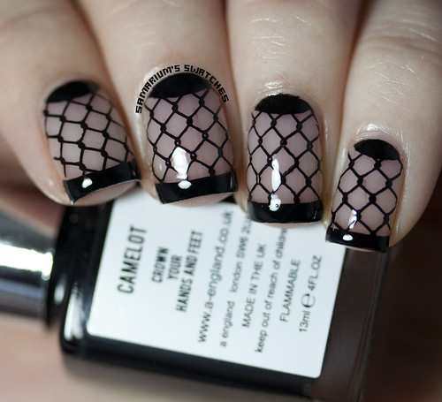 Fishnet French Manicure  (2)