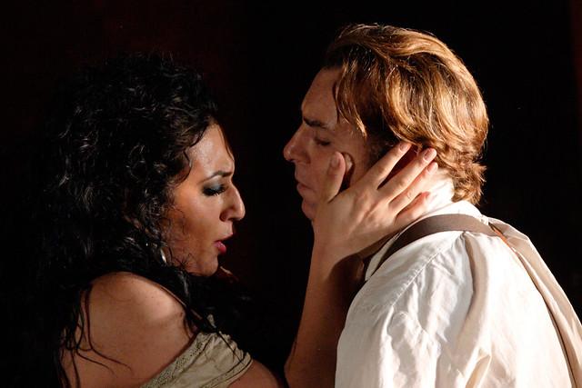Anita Rachvelishvili and Roberto Alagna in Carmen © ROH/Catherine Ashmore, 2013