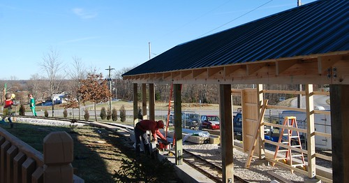 New covered bridge for Holidog Express