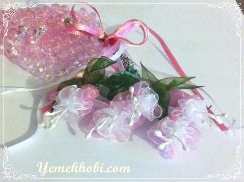 küpeli çiçekli kristal tespih
