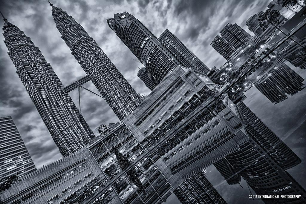 Luxury Accommodations Near Petrona Towers | Mandarin