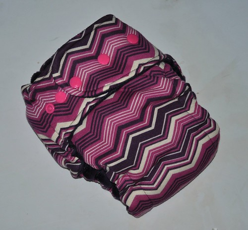 Bumstoppers One Size Hybrid Fitted Purple Chevron Snap down or  Fold over Rise