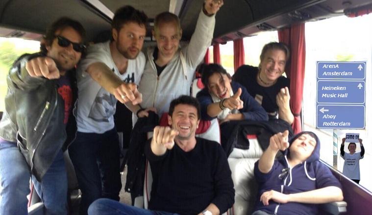 In de bus op weg naar Nederland
