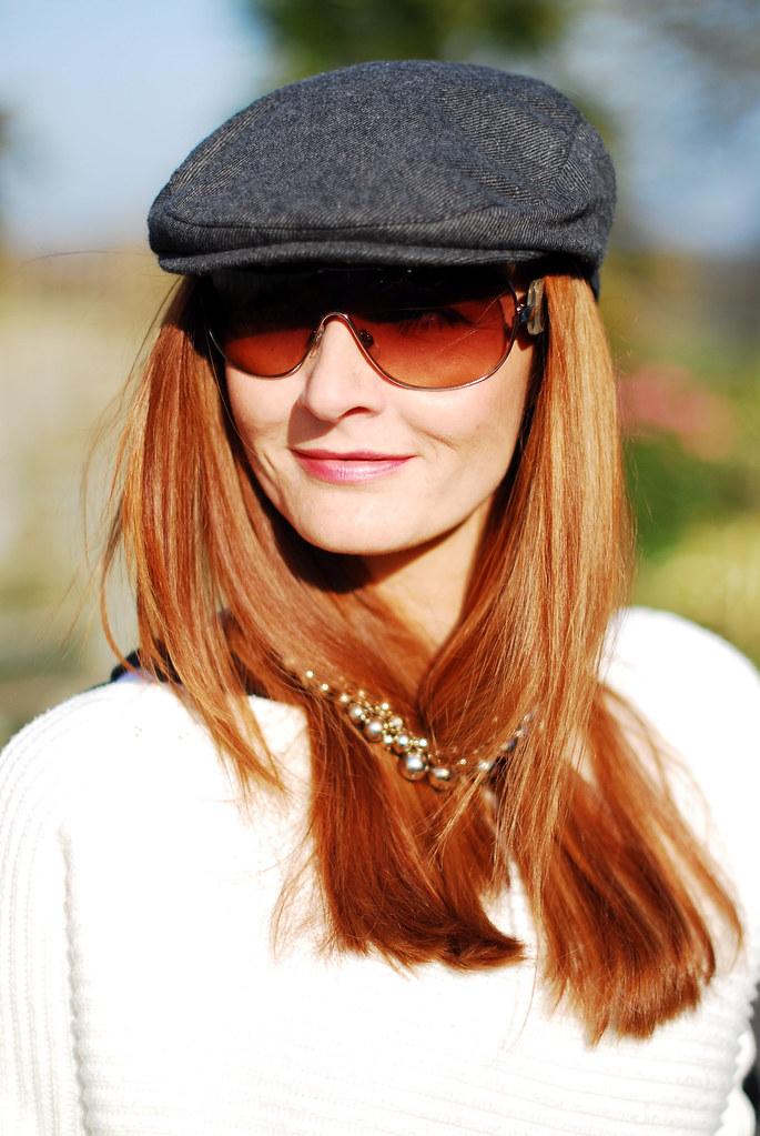 Grey cap, necklace hair tuck