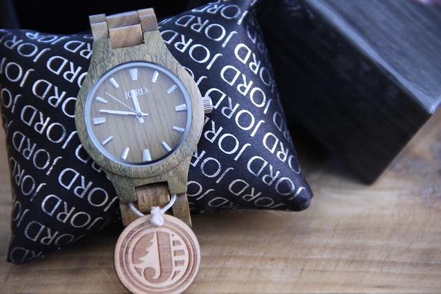 Relojes de madera Jord