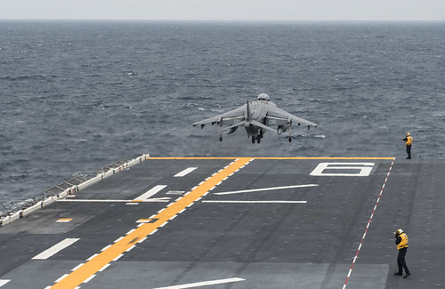Bonhomme Richard Completes Flight Deck Certification