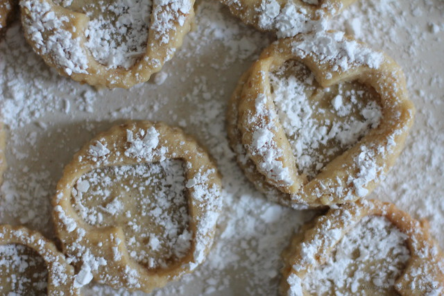 Linzer cookies with sugar by little luxury list