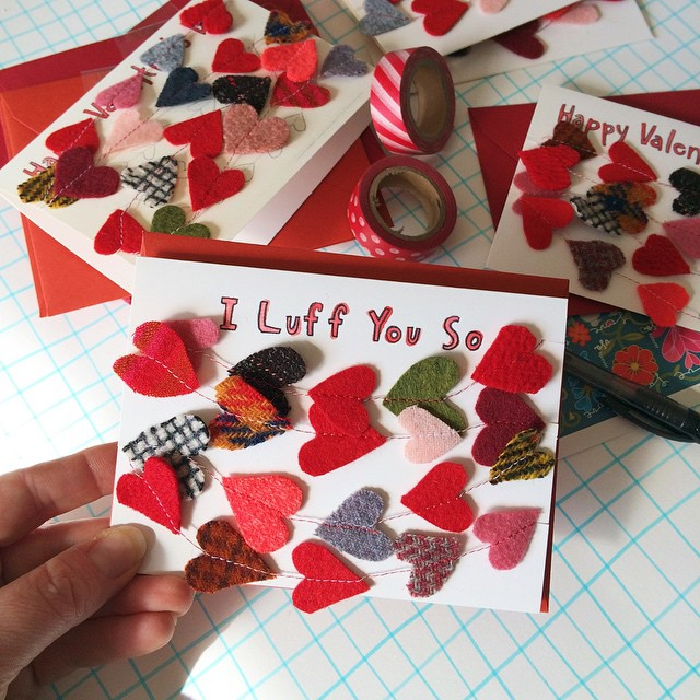 And then - Better late than never! I just added these Valentine's Day cards to my etsy shop. They double as a lasting decoration, with the easily removable garland.