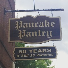 Went for lunch at the Pancake Pantry today... For the second time this trip, obviously (it\'s a favourite of mine). A few days ago, I waited in the around-the-corner line by myself, & the group ahead of me asked if I wanted to eat with them. The 7 of them