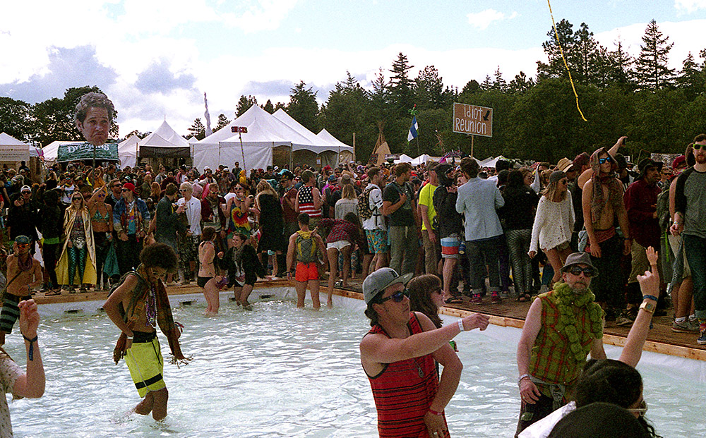 What-The-Festival_Pool-Party
