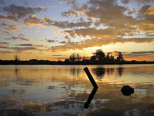 sunset clouds contraluz atardecer cielo puestadesol cáceres siluetas reflejos nwn malpartidadecáceres barruecos mygearandme mygearandmepremium mygearandmebronze mygearandmesilver