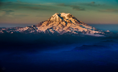 washington mt fav50 fav20 rainier fav30 mtrainier goldenhour aeriallandscape fav10 horizonair fav40 copyrightbatchpublished2013