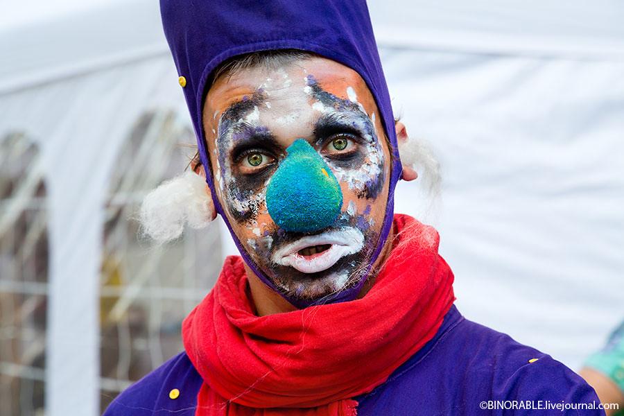 """Фестиваль """"Открытые улицы"""" на Камергерском переулке в Москве Фото: ©binorable.livejournal.com"""