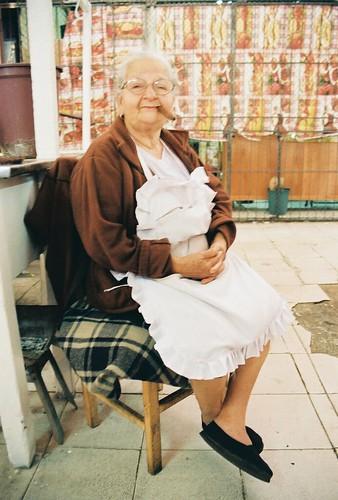 portrait people film analog 35mm market kodak streetphotography streetportrait asuncion paraguay publicmarket expiredfilm mercado4 canoneosrebelgii