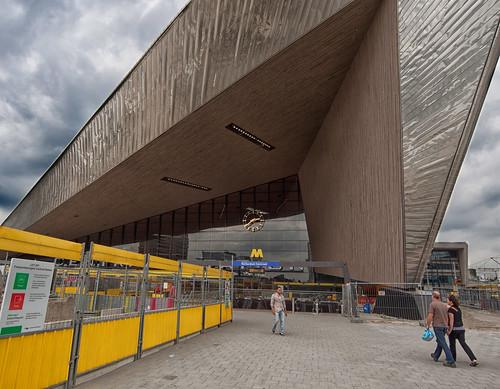 Rotterdam station by hans van egdom