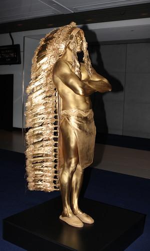 Gold Human Statue, Sydney by humanstatuebodyart