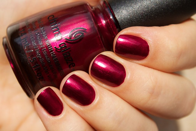 03 China Glaze Autumn Nights Red y & Willing