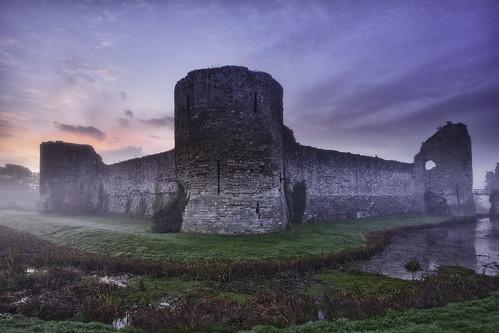 england mist castle english sunrise sussex britain medieval norman east moat willian conquest conqueror pevensey