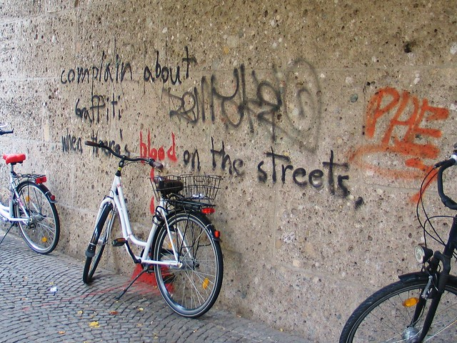 Graffiti by the University, Munich