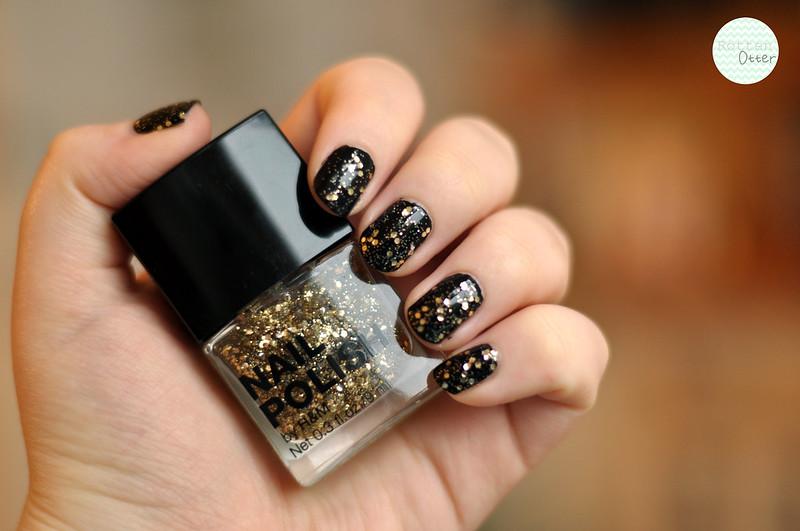 H&M Stay Golden gold glitter avon liquorice black creme nail polish notd rottenotter rotten otter blog
