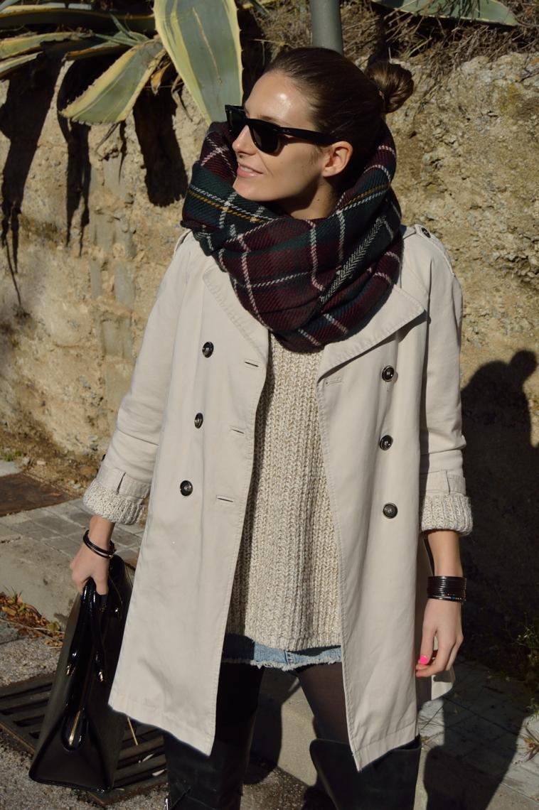 lara-vazquez-madlula-style-personal-chic-fashion-blog-trench-outfit-plaid-tartan-foulard