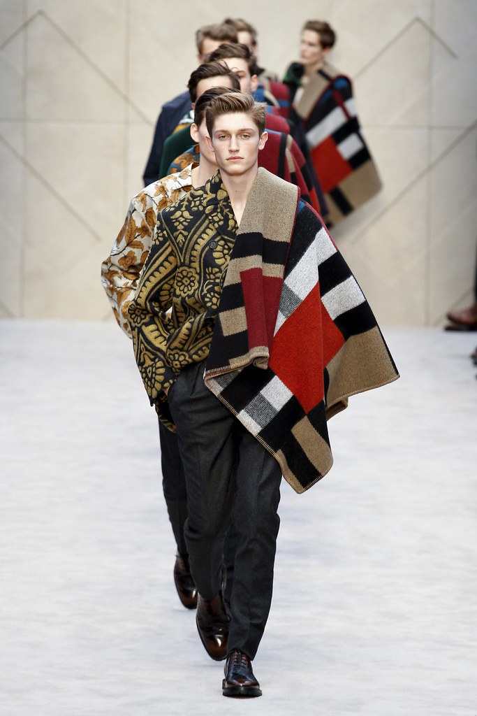 FW14 London Burberry Prorsum047_Callum Ball(VOGUE)