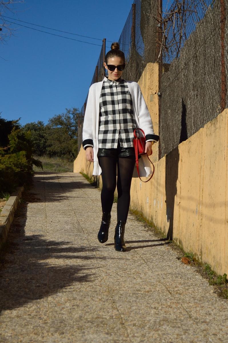 lara-vazquez-madlula-blog-white-black-outfit