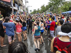 The Water-fight in Chiang Mai during Songkran_2014-44