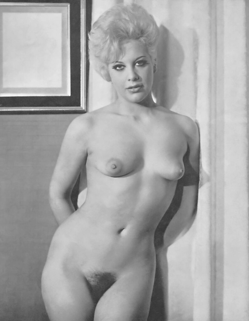girls naked vintage porn video