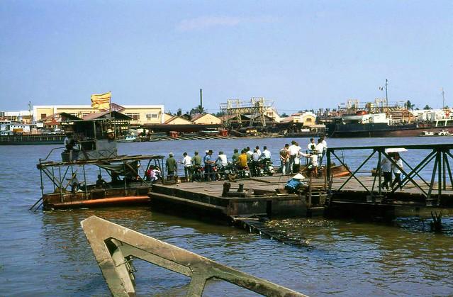 SAIGON 1969 - Bến phà Thủ Thiêm