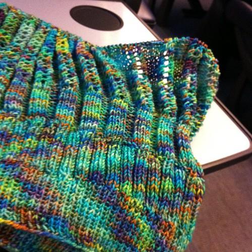 Knitting on the train :) Lavorando a maglia sul treno:)