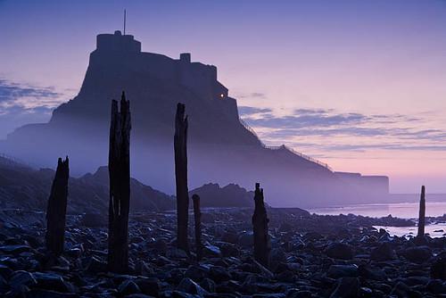 lindisfarne_castle_pier_in_mist