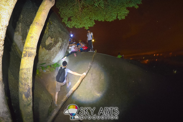 You need to climb through these big rocks to reach the 3rd hills of Broga Hills